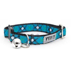 worthy-dog-bias-plaid-blue-cat-collar-800x800