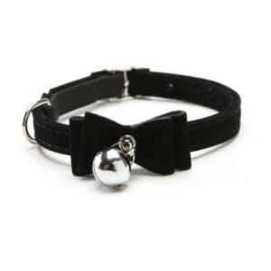 black-velvet-bow-collar